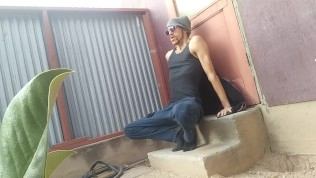 Homeless Stud Slams & Strokes His Huge Lollipop Exterior in Alley – Caught on Webcam!