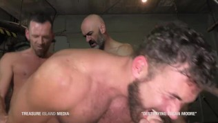 Muscle hunk gang-fuck breeding